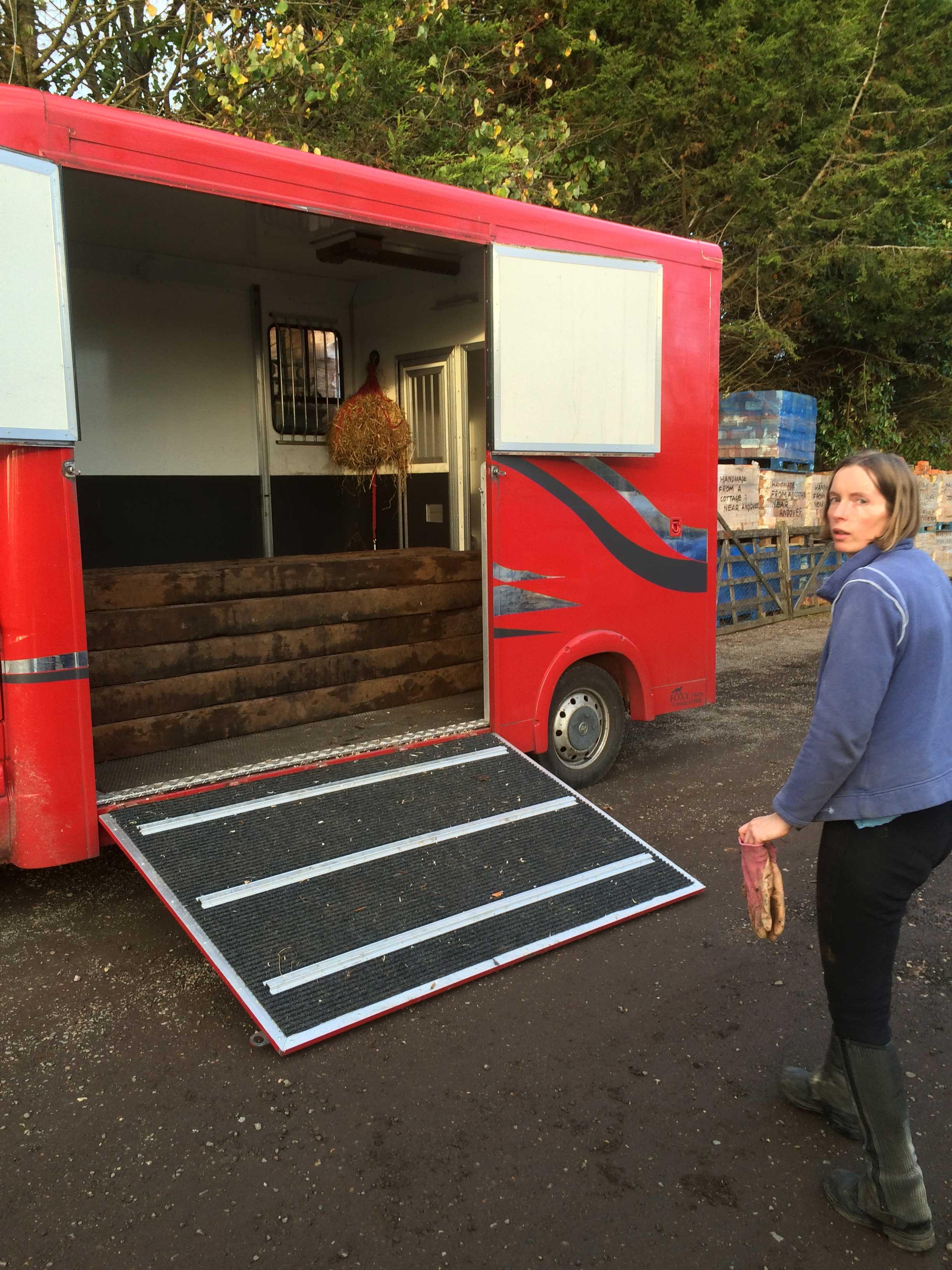 Horse lorry 2